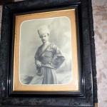 [:lt]Mėgstamiausias A. Vienuolio portretas jo darbo kambaryje.[:en] [:ru]